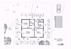 Eine Etage mit Ausbaureserve im Dachgeschoss. Nutzfläche gleich Grundfläche (ca.80qm) minus Wände.